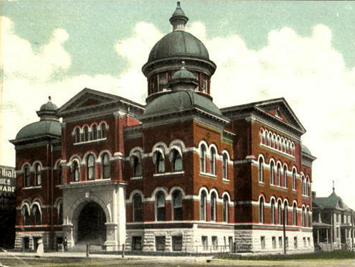 The second Lyon County Courthouse was completed in 1901. John Knoblock's second trial was held here. Photo from the Kansas Collection at the Spencer Research Library at the University of Kansas.