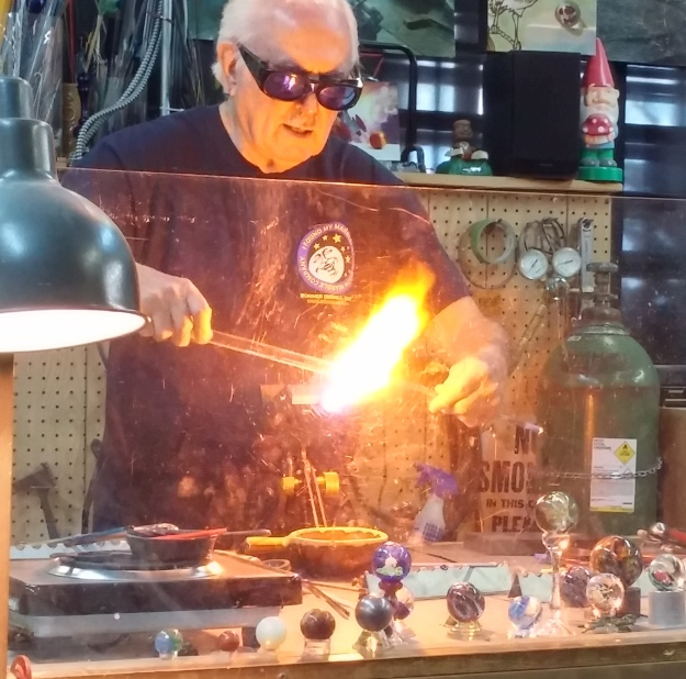 Marble-making masters offer free demonstrations three days a week.